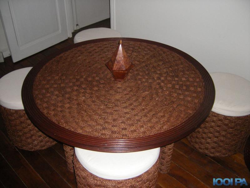 Table basse avec poufs intégrés malakoff