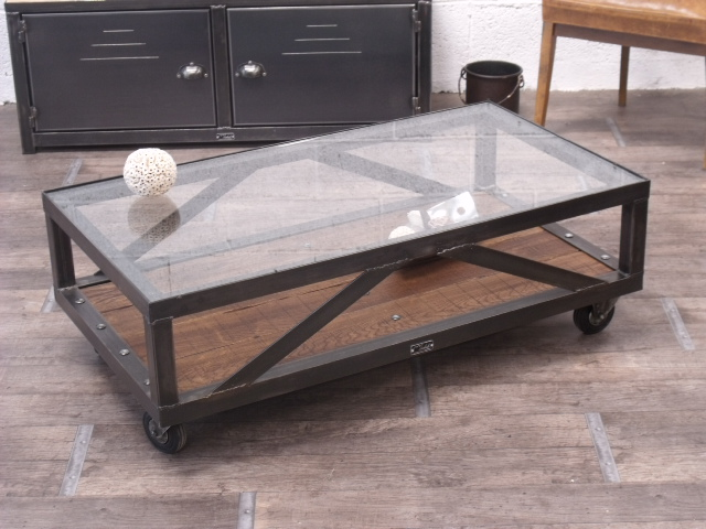 Table basse industrielle en verre