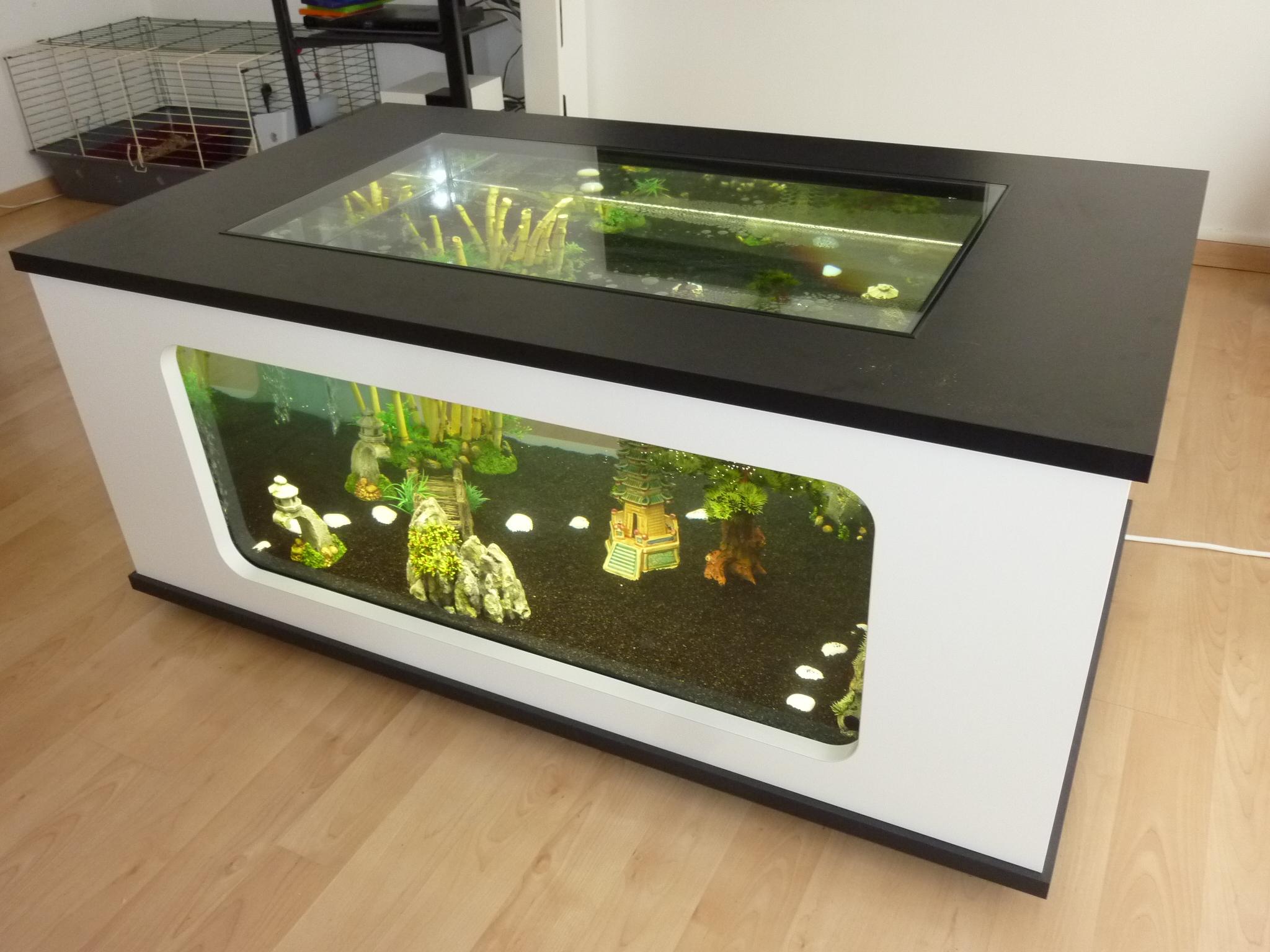 Table basse aquarium blanche
