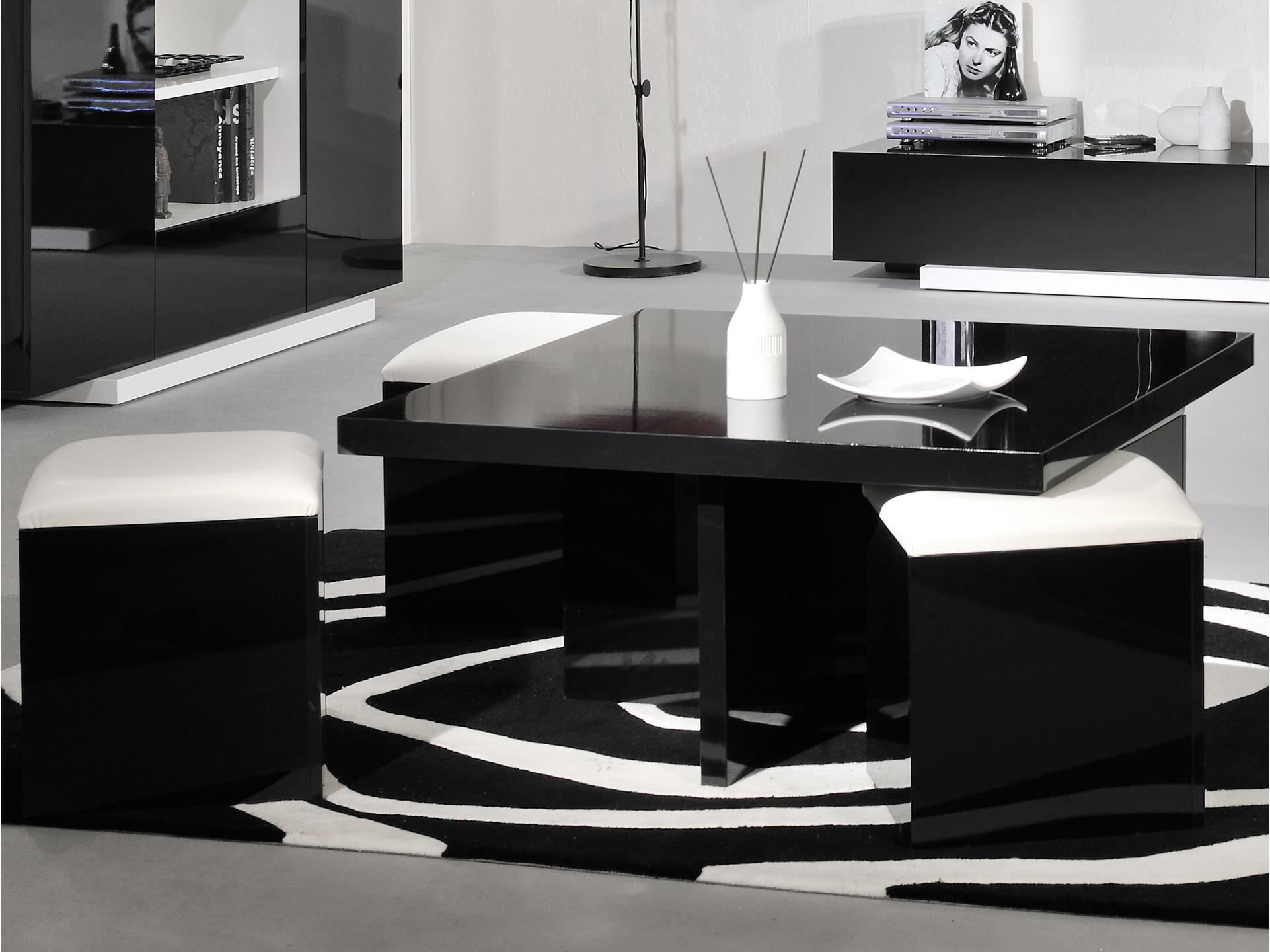 Table basse salon avec pouf