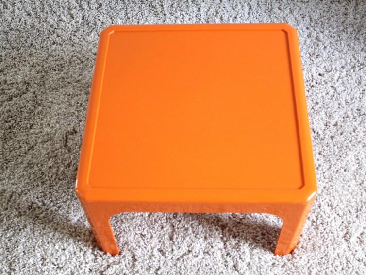 Table basse vintage plastique