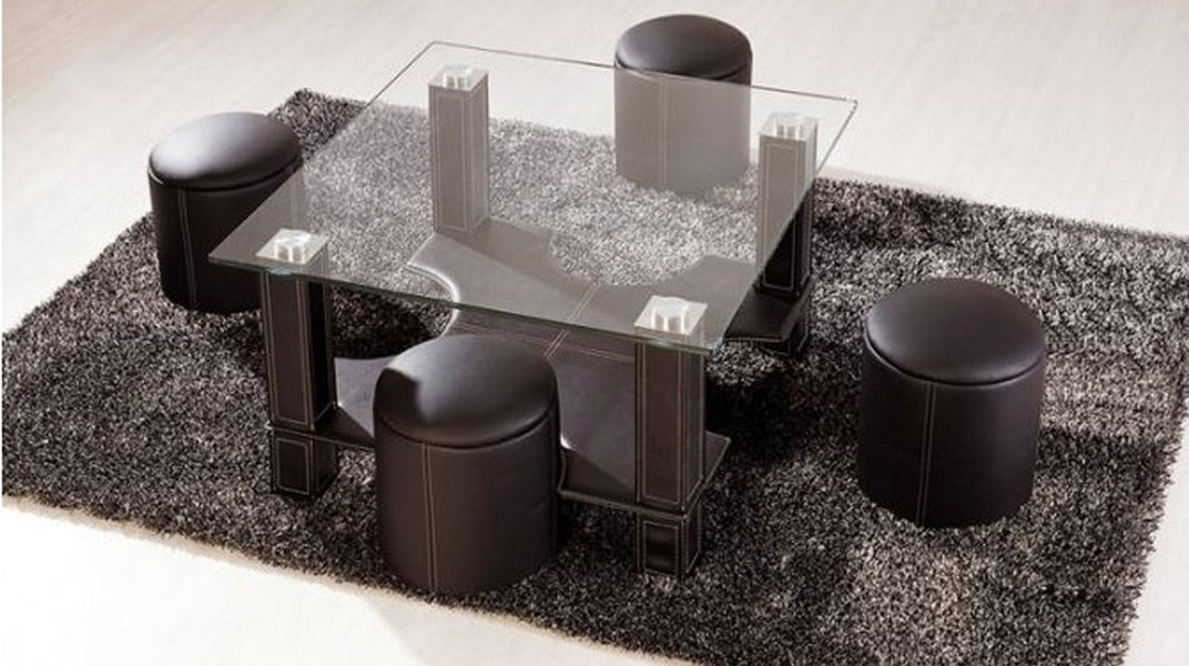 Table basse carrée avec pouf