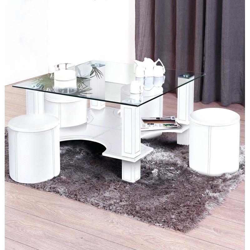 Table basse avec 6 pouf blanc