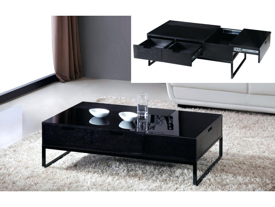 Table basse blanche avec rangement pour bar intégré