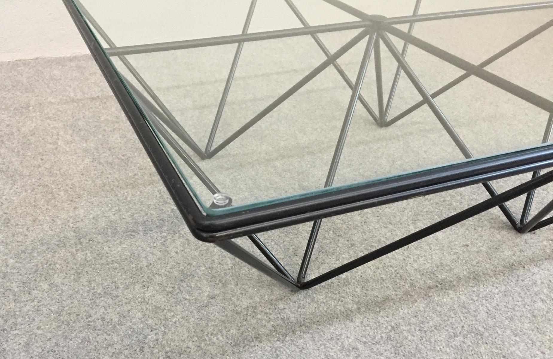 Table basse en verre pour serpent
