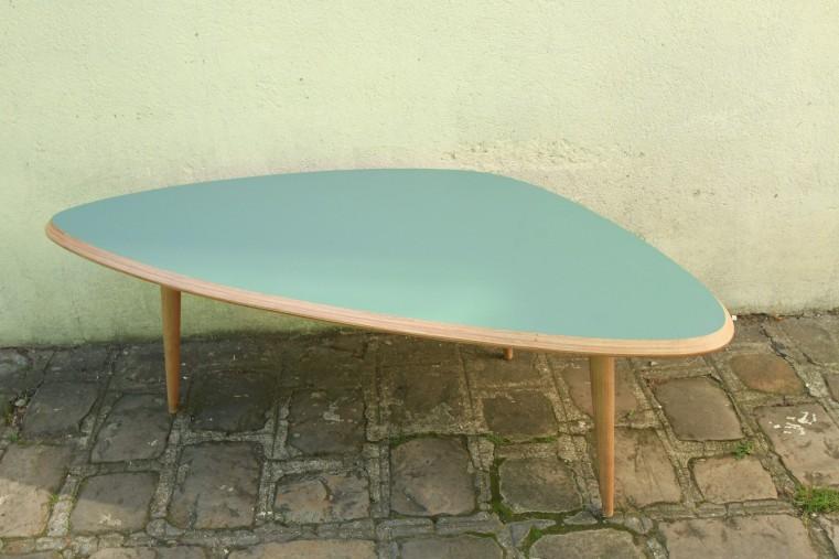 Table basse tripode retro