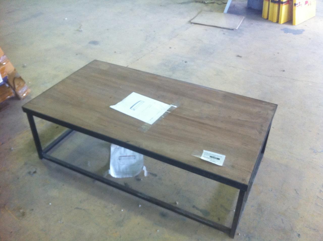 Table basse industrielle destockage