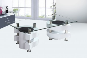 Table basse avec pouf blanche