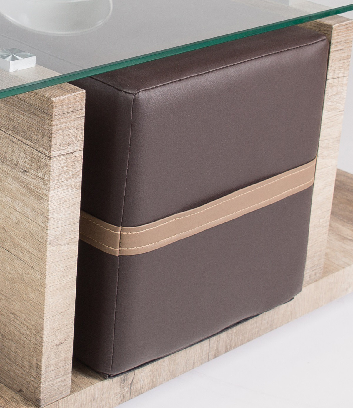 Table basse avec pouf en bois