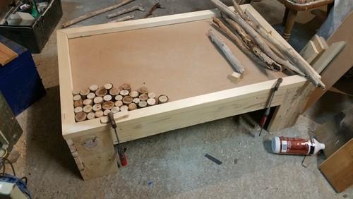 Fabriquer une table basse avec rangement maison et - Comment fabriquer une table basse avec des palettes ...