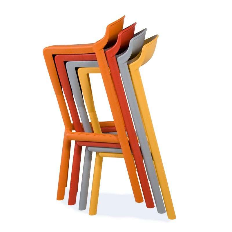 Tabouret design empilable